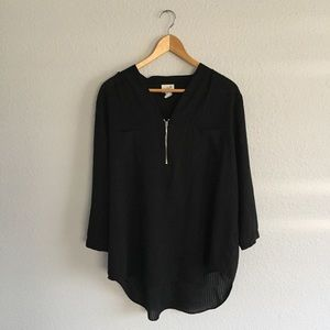 Black Flowy Top 3/4 Sleeves